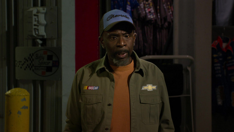Chevrolet Blue Cap of Gary Anthony Williams as Chuck in The Crew S01E10 (2)