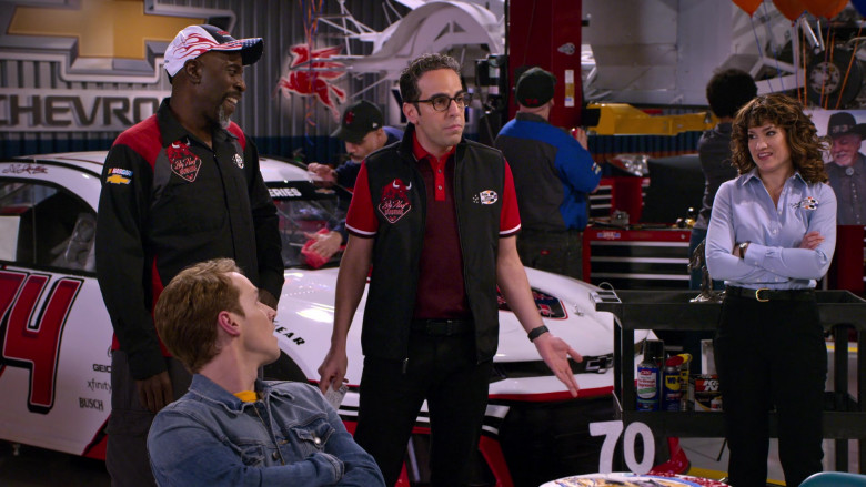 Chevrolet Car, CRC Heavy Duty Pro-Strength All Purpose Degreaser, WD-40 and K&N Engineering in The Crew S01E01