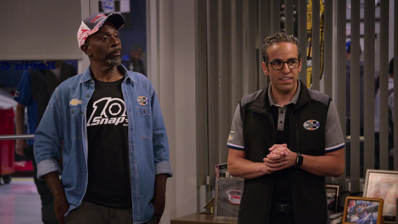 Chevrolet Logo Patch on the Denim Shirt of Gary Anthony Williams as Chuck in The Crew S01E09