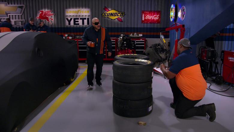Chevrolet, Mobil 1, Goodyear, Yeti, Sunoco, Coca-Cola in The Crew S01E04