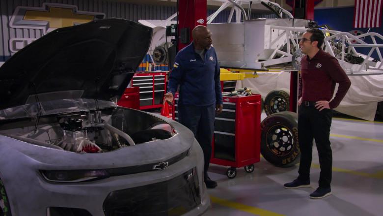 Chevy Camaro ZL1 Car in The Crew S01E03 TV Show (1)