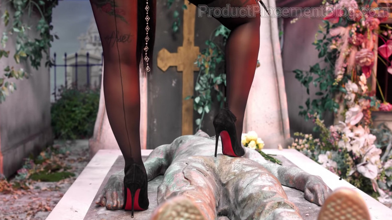 """Christian Louboutin Pumps of Cardi B in """"UP"""" 2021 (1)"""