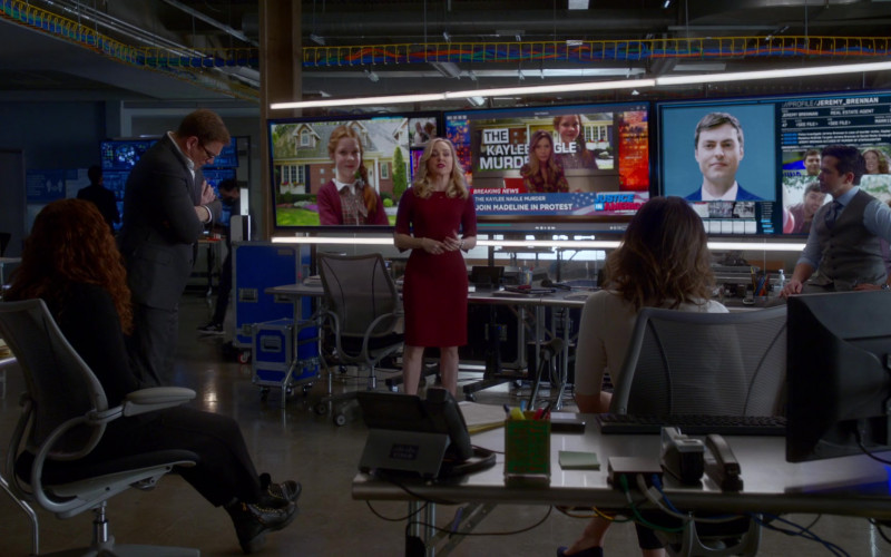 Cisco Phone in Bull S05E09