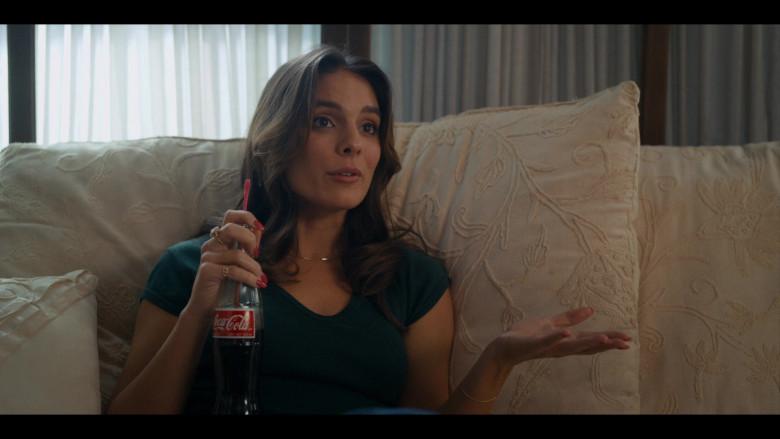 Coca-Cola Classic Soda Bottle of Caitlin Stasey as Jill Shore in Bridge and Tunnel S01E05 TV Show (2)