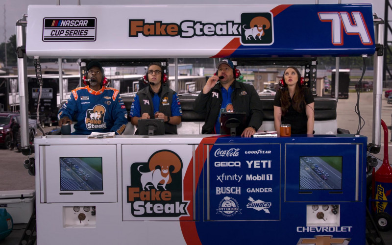 Coca-Cola, Geico, Xfinity, Busch, Pit Boss, Goodyear, Yeti, Mobil 1, Gander, Sunoco, Chevrolet in The Crew S01E05