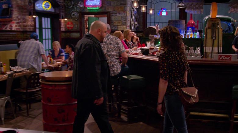 Coca-Cola Soda Signs and Bud Sticker in The Crew S01E01