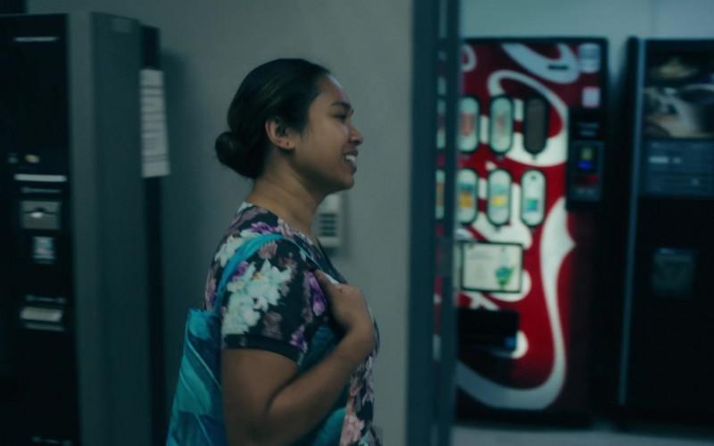 Coca-Cola Vending Machine in Coroner S03E01 (1)