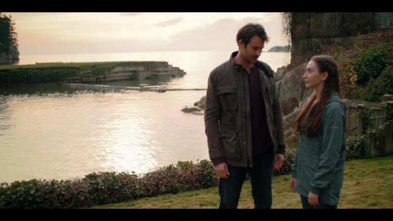 Columbia Women's Jacket of Yael Yurman as Marah Mularkey in Firefly Lane S01E05 (2)
