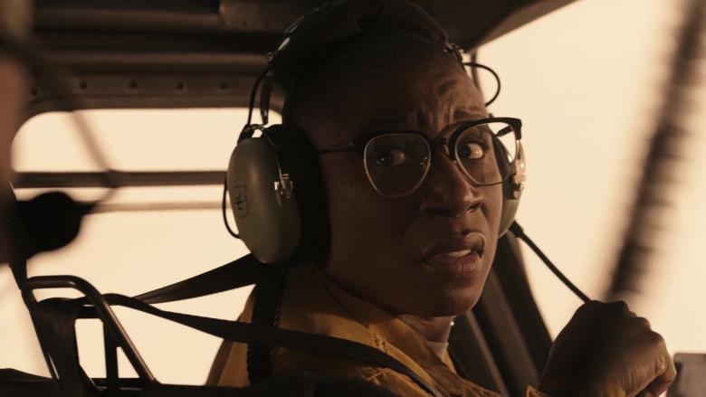 David Clark Headset of Aisha Hinds as Henrietta 'Hen' Wilson in 9-1-1 Lone Star S02E03 Hold the Line (2021)