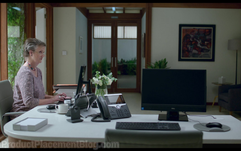 Dell Monitor and Cisco Phone in Behind Her Eyes S01E05 The Second Door (2021)