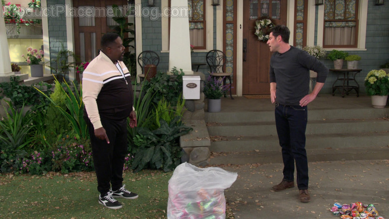 Diadora Men's Low Sneakers Worn by Cedric the Entertainer as Calvin Butler in The Neighborhood S03E09 Welcome to the Shakedow