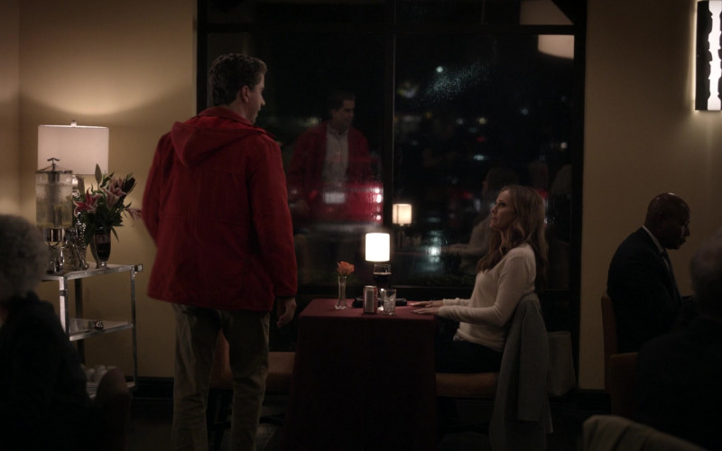 Diet Coke Drink (on the table) of Amy Brenneman as Mary Barlow in Tell Me Your Secrets S01E04 (1)
