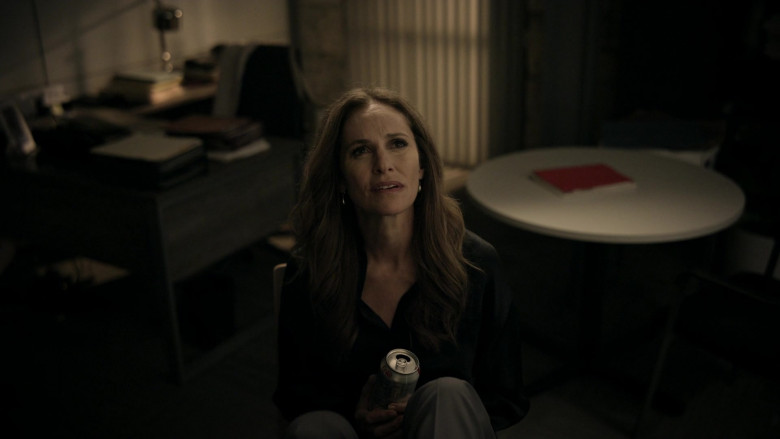 Diet Coke Soft Drink of Amy Brenneman as Mary Barlow in Tell Me Your Secrets S01E09 Gotcha (2021)