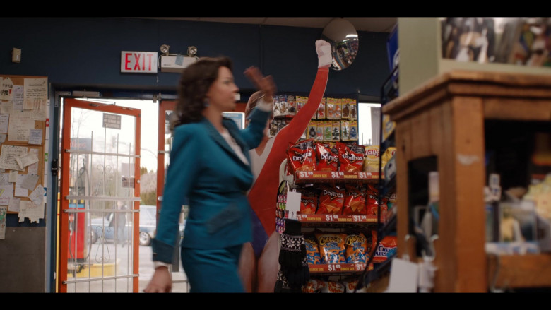 Doritos, Lay's and Cheetos Snacks in Firefly Lane S01E07 (1)