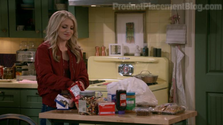 Entenmann's Donuts in B Positive S01E07 (1)