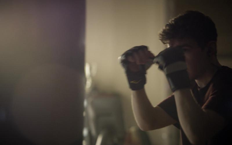 Everlast MMA Gloves of Elliot Fletcher as Jake Barlow in Tell Me Your Secrets S01E09 Gotcha (2021)