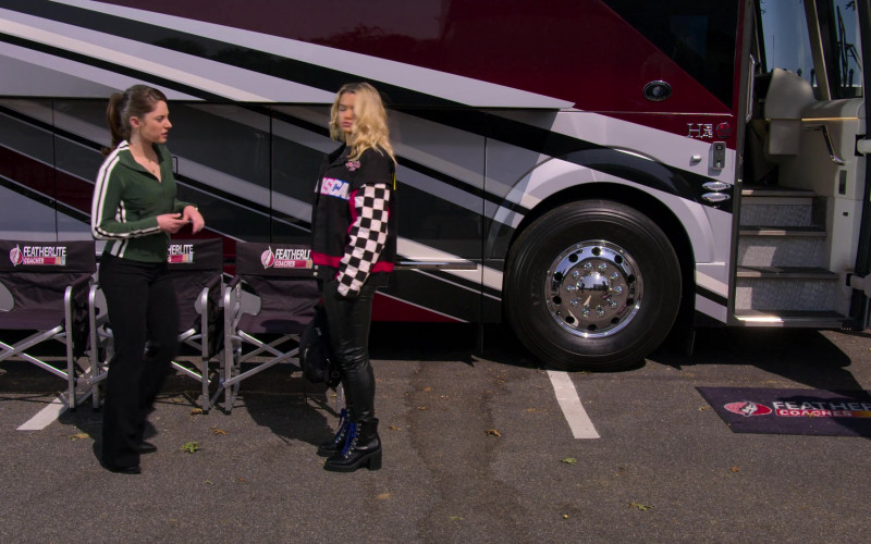 Featherlite Coaches in The Crew S01E06 (1)