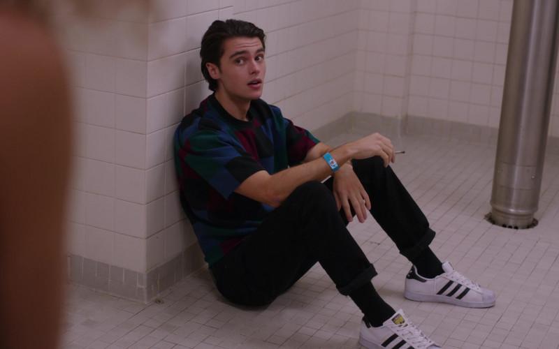 Felix Mallard as Marcus Wears Adidas Superstar Sneakers in Ginny & Georgia S01E03 TV Show by Netflix (1)