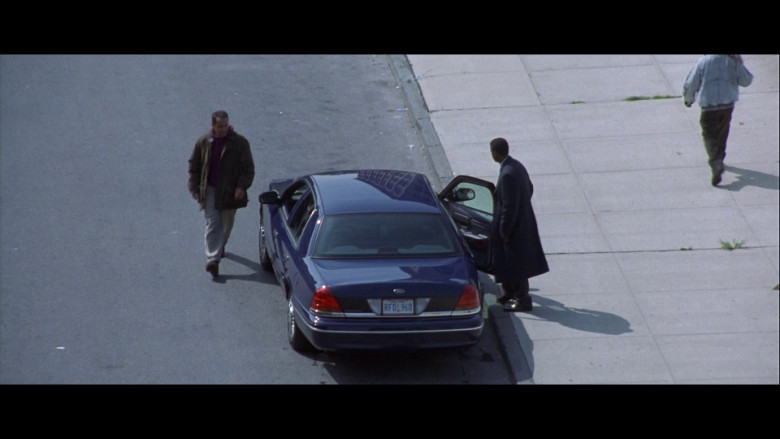 Ford Crown Victoria Car in The Siege (1998)