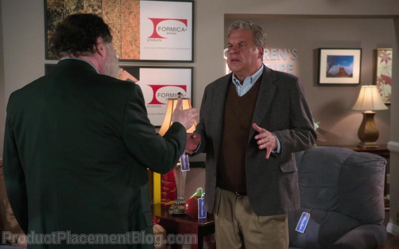 Formica in The Goldbergs S08E11 (1)