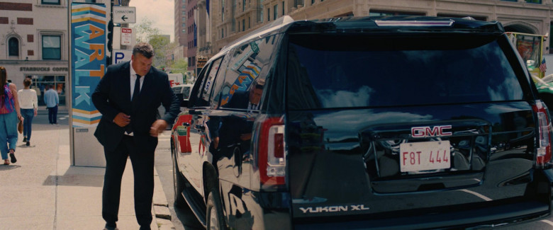 GMC Yukon XL Car in I Care a Lot Movie (1)