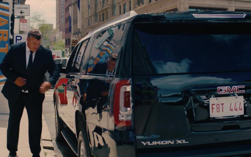 GMC Yukon XL Car in I Care a Lot Movie (1)