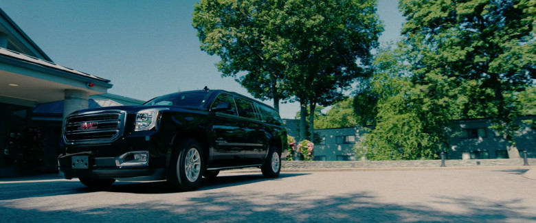 GMC Yukon XL Car in I Care a Lot Movie (2)