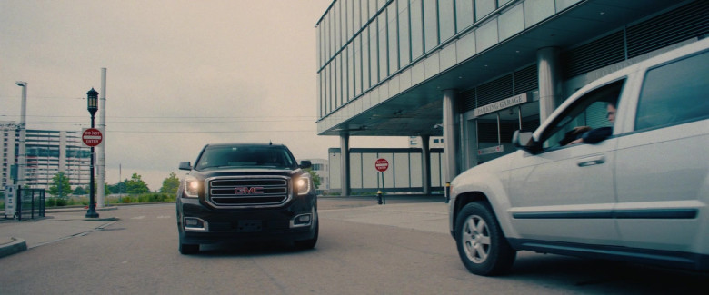 GMC Yukon XL Car in I Care a Lot Movie (3)