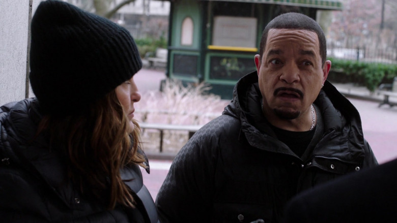 Gucci Men's Jacket Outfit of Ice-T as Odafin 'Fin' Tutuola in Law & Order SVU S22E07 (2)