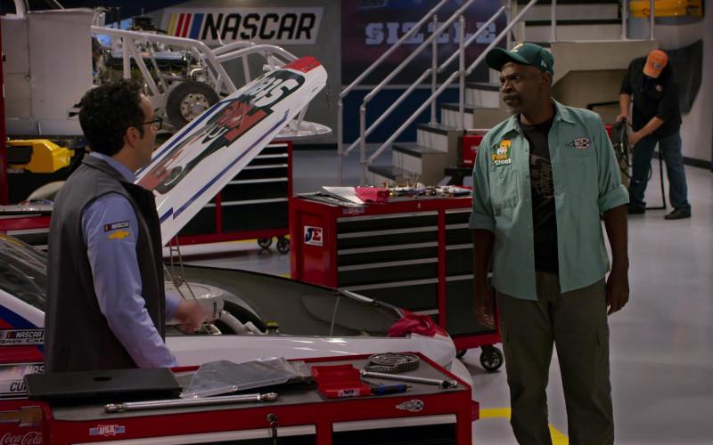JE Pistons, Chevrolet, Coca-Cola in The Crew S01E08