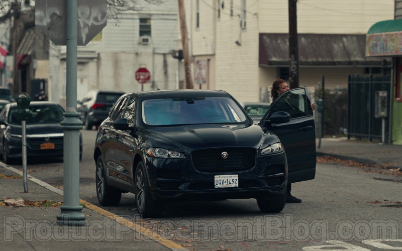 Jaguar F-Pace SUV of Queen Latifah as Robyn McCall in The Equalizer S01E01 (2021)