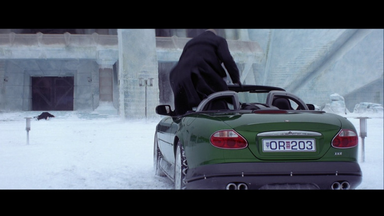 Jaguar XKR [X100] Green Convertible Car in Die Another Day Movie (1)