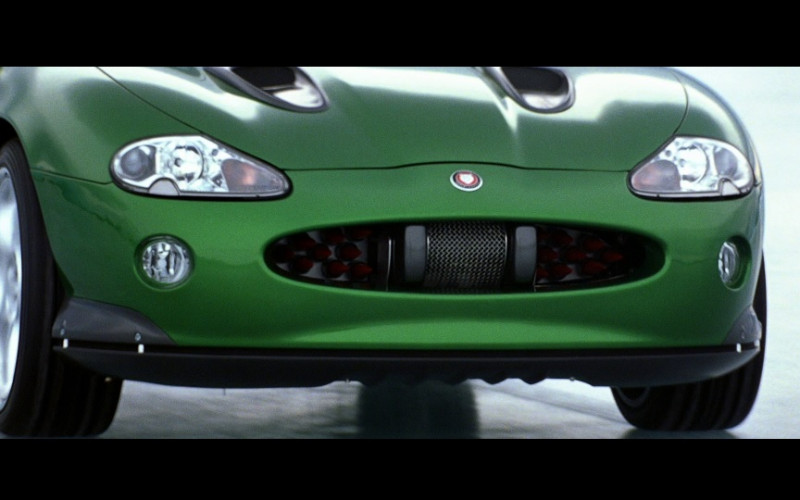 Jaguar XKR [X100] Green Convertible Car in Die Another Day Movie (3)