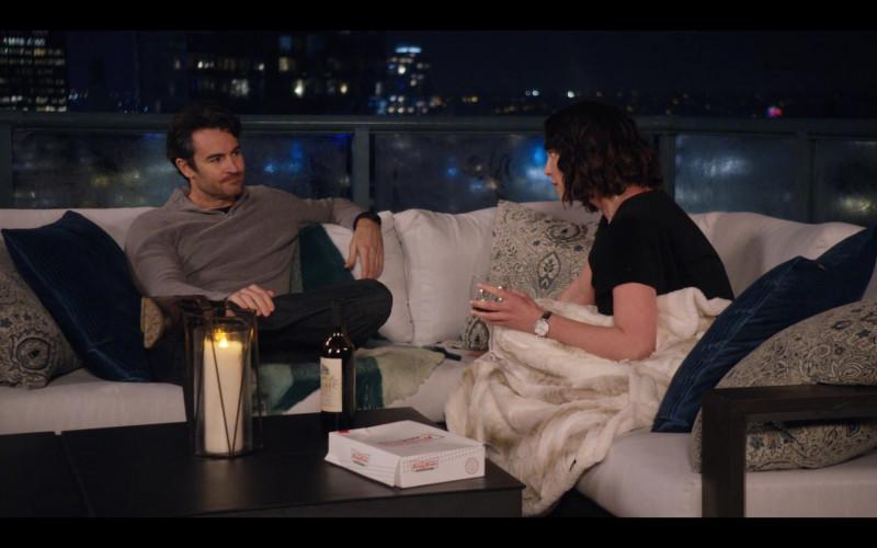 Krispy Kreme Doughnuts Box in Firefly Lane S01E02 Oh! Sweet Something (2021)