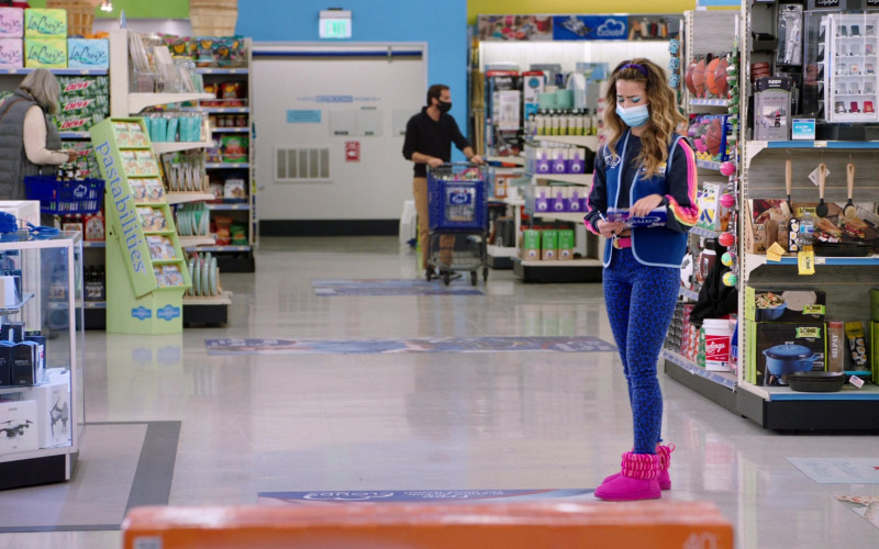 LaCroix, Mountain Dew, Pastabilities, Zippo, Lodge Cast Iron in Superstore S06E08 Ground Rules (2021)