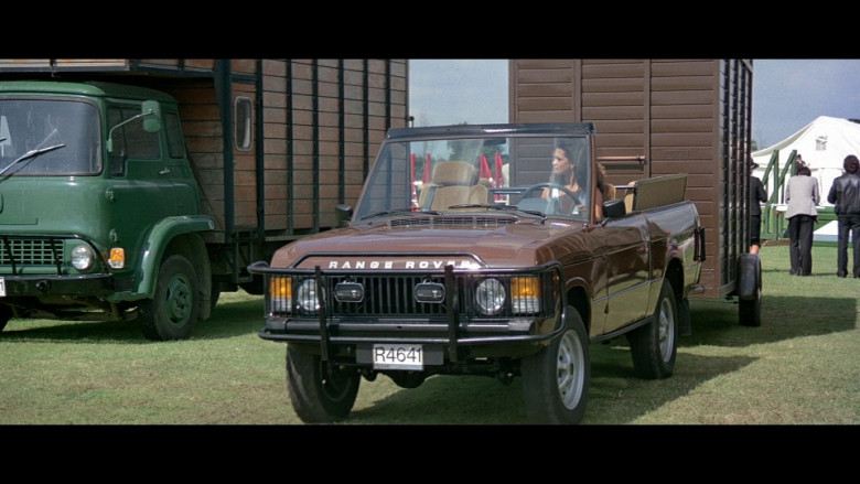 Land-Rover Range Rover Convertible Series I Brown Car in Octopussy (1983)
