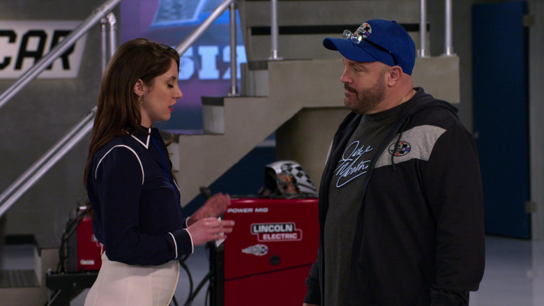 Lincoln Electric Power Mig in The Crew S01E07 Ooof, Someone Throw A Robe On Grandma (2021)