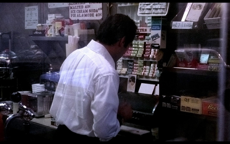 M&M's, Reese's Peanut Butter Cups & Tiparillo in The French Connection (1971)