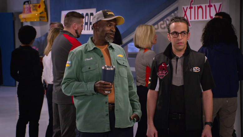 Mack Truck Cap and Chevrolet Shirt of Gary Anthony Williams as Chuck, Xfinity Sign in The Crew S01E02 (1)