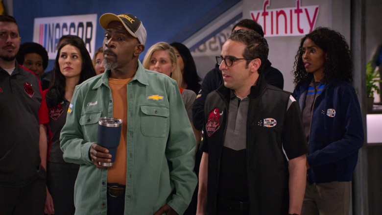 Mack Truck Cap and Chevrolet Shirt of Gary Anthony Williams as Chuck, Xfinity Sign in The Crew S01E02 (2)