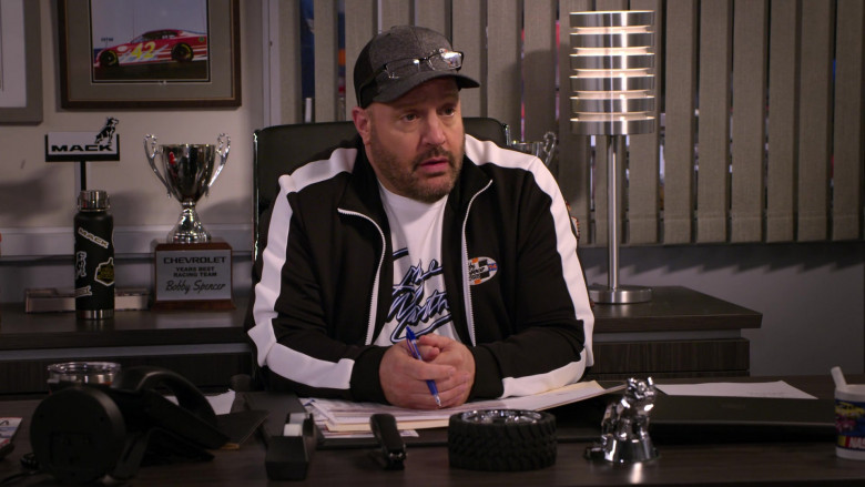 Mack and Chevrolet in The Crew S01E07 Ooof, Someone Throw A Robe On Grandma (2021)