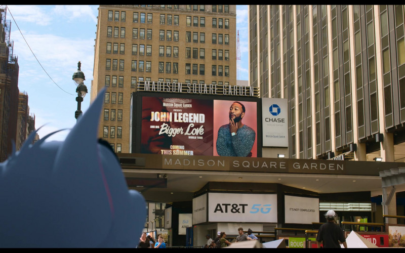 Madison Square Garden, Chase Bank and AT&T 5G in Tom and Jerry (2021)