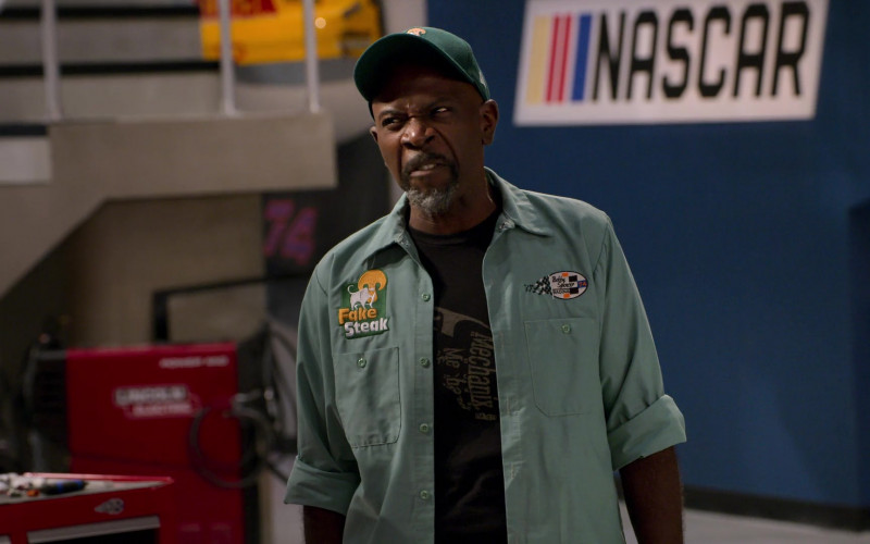 Mechanix T-Shirt of Gary Anthony Williams as Chuck in The Crew S01E08