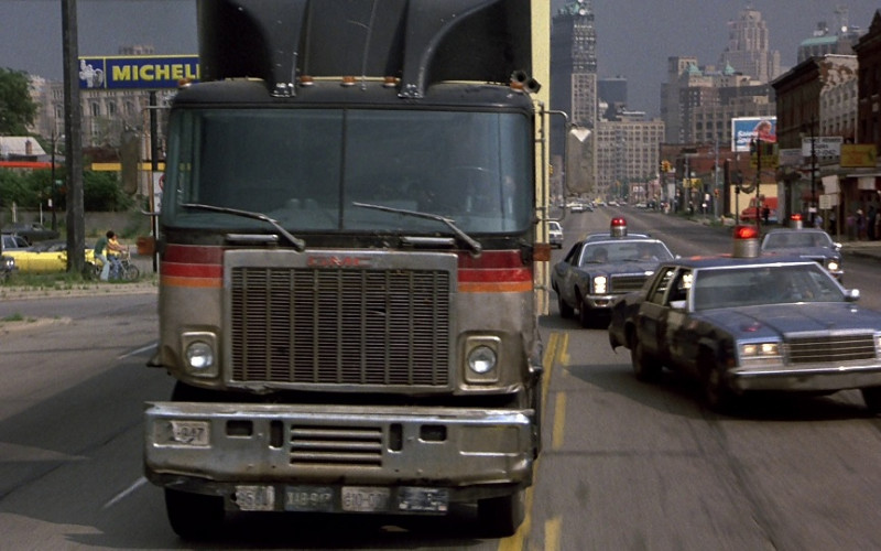 Michelin Sign in Beverly Hills Cop (1984)