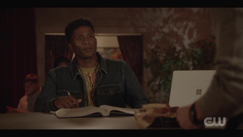 Microsoft Surface Laptop Used by Actor in All American S03E03 High Expectations (2021)