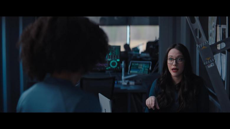 Microsoft Surface Laptop of Kat Dennings as Darcy Lewis in WandaVision S01E05 (2)