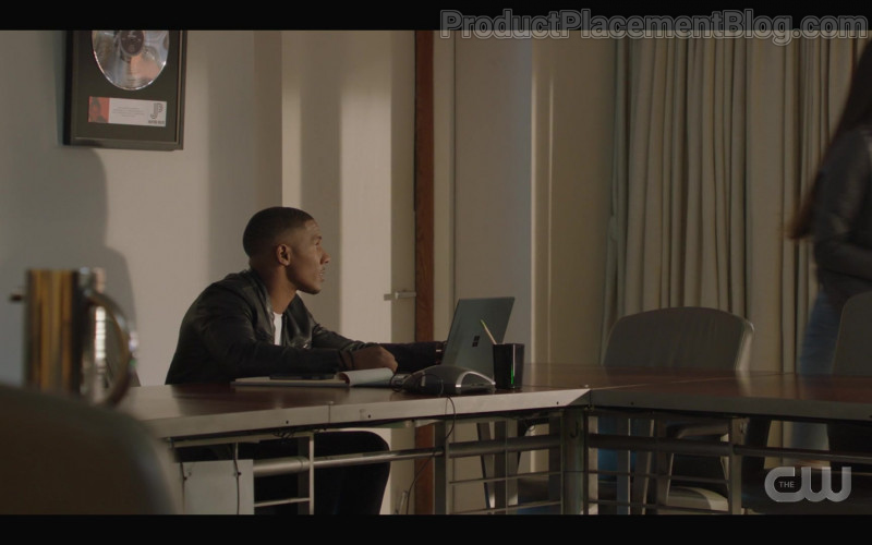 Microsoft Surface Laptop of Mike Merrill as Christian Mosley in All American S03E04 My Mind's Playing Tricks on Me (2021)