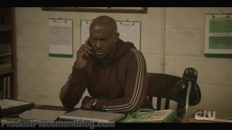 Microsoft Surface Laptop of Taye Diggs as Billy Baker in All American S03E05