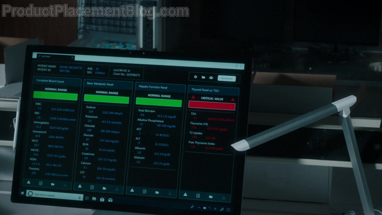 Microsoft Surface Studio Computer in The Resident S04E05 (2)