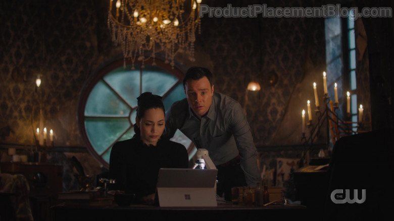 Microsoft Surface Tablet in Charmed S03E03 Triage (2021)